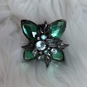 Teal green jeweled elastic fashion ring